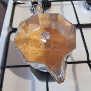 Bialetti Brikka 2020 kotyogós kávéfőző 2 személyes crema