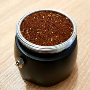 Bialetti Brikka 2020 kotyogós kávéfőző 2 személyes kávéőrlemény